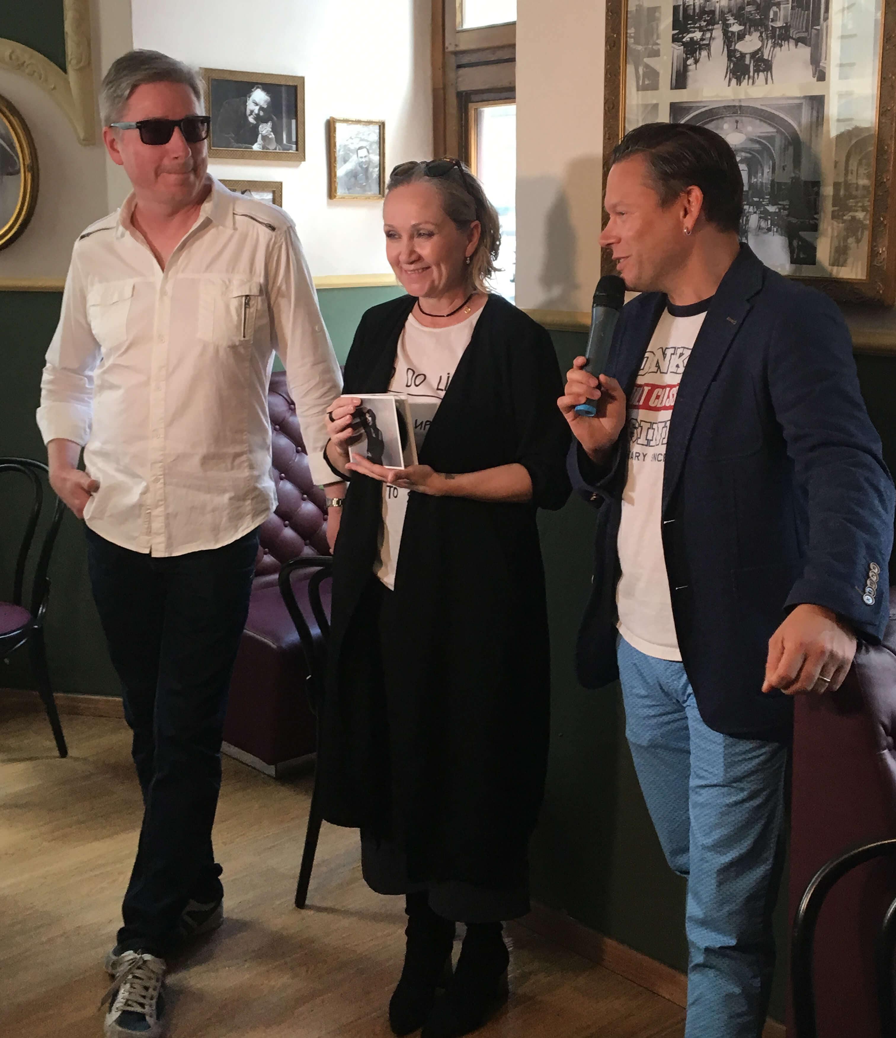 Richard Ulrych, Bára Basiková a Matěj Ruppert; foto Warner ČR